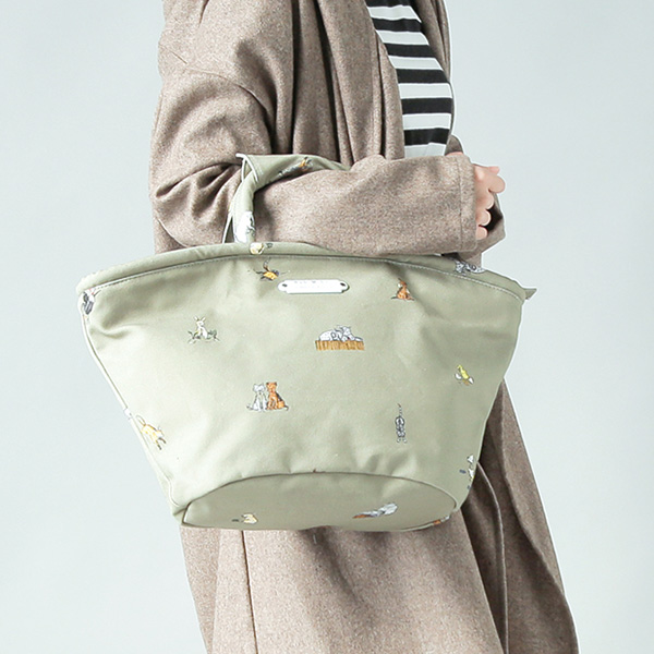 "R & D.M.Co-(オールドマンズテーラー)<br />プリントコットントートバッグ""FARMERS FAMILY MARCHE BAG SMALL"" 3963"